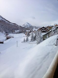 Claviere (Via Lattea skiing pistes). Val di Susa. Piemonte. Italia