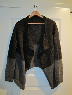 Ravelry: lanarossa's Liquorice / caramel sweater