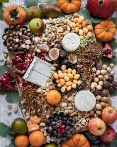A Festive Chocolate and Cheese Board - Honest Cooking Appetizers For A Crowd, Yummy Appetizers, Thanksgiving Day 2019, Honey Mustard Glaze, Gluten Free Pretzels, Spiced Almonds, Chocolate Festival, Chocolate Company, French Dishes