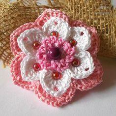 kytičky   Hrajeme si háčkováním hraček Baby Cardigan, Flower Crafts, Craft Flowers, Irish Crochet, Crochet Flowers, Paper Flowers, Hair Bows, Free Pattern, Diy And Crafts