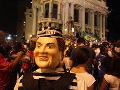 Manifestante usa máscara da presidente Dilma e roupa de presidiário. Alerj. 17/06/2013.