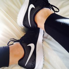 NIKE AIR ZOOM PEGASUS 31 in black
