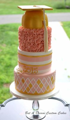 Pink and Gold Graduation Cake - Cake by Elisabeth Palatiello Graduation Theme, Graduation Celebration, Celebration Cakes, Graduation Ideas, College Graduation Cakes, Graduation 2016, School Cake, Dream Cake, Girl Cakes