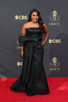 Cedric The Entertainer, The Emmys, Mindy Kaling, Strapless Dress Formal, Formal Dresses, Anya Taylor Joy, Dior Haute Couture, Red Carpet Dresses, Red Carpet Fashion