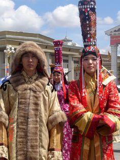 Magníficos trajes mongoles para fiestas y celebraciones tradicionales