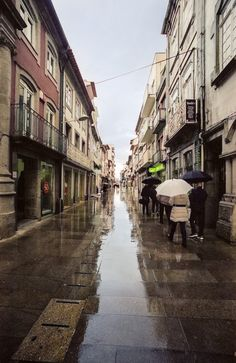 https://flic.kr/p/shEsEB | Sun and rain (explored) | Barcelos, Portugal, 2015  (Minolta XD7, Minolta 17mm f4, Kodak Portra 400)