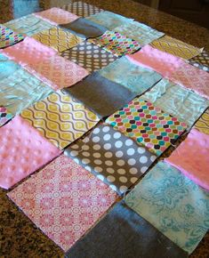 Super Easy Quilt Tutorial For The First Time Quilter I Need To Try This One With Old Fabric Pieces Have From Mom