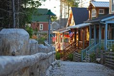 Seabrook streetscape new urbanism beach cottages log fence washington coast