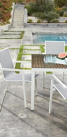 Go above and beyond for your guests when you welcome them to a meal at your elegant and Scandinavian inspired Juneau extension dining table. Outdoor Chairs, Outdoor Furniture Sets, Dining Chairs, Mid Century Modern Bed, Bed Picture, Inside Home, Extension Dining Table, Power Recliners, Leather Recliner