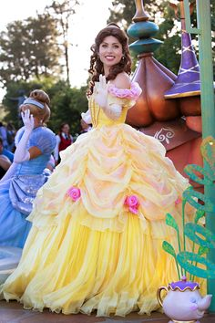 Disneyland // Belle in Mickey's Soundsational Parade // Beauty and the Beast