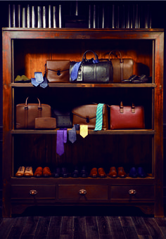 Do you have a whole lot of accessories but you can't seem to organise them well? You can create a wardrobe for your bags, wallets, ties and shoes by displaying them neatly in a comfortable space! Tip: Your leather accessories need to be stored in a temperature controlled environment, where you need to make sure that the area is not hot or damp.