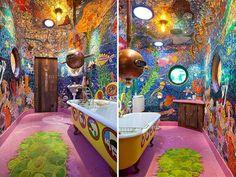 baño pintado como vista submarina