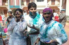 Anjali Mehta, Taarak Mehta & Jethalal enjoying holi.
