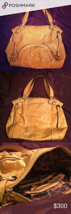 B. Makowsky Purse Beautiful light brown B. Makowsky shoulder bag. Light brown with gold accents. 100% genuine leather! Signature leaped print lining on the interior. Exterior pocket with pockets inside as well for more organization and storage. b. makowsky Bags Shoulder Bags
