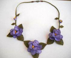 Purple ecklace,Roses Necklace, Plum Crochet Necklace, Floral Necklace, Eggplant Necklace,Violet Necklace,Statement Necklace, crochet,bib