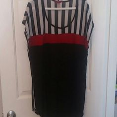 Cap sleeve cute top Black, white, and red. Super cute under a black jacket. unknown Tops Tees - Short Sleeve
