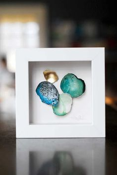 Gorgeous eggshell art using the Japanese technique of Kintsugi. Embracing the aesthetic of wabi sabi decor, these eggshells make the perfect gift for any lover of minimalist design or unique art. Metal Art, Japanese Art, Kintsugi, Amazing Art, Abstract Art Paintings Acrylics, Egg Shell Art, Art Painting Acrylic, Christian Art, Magical Art