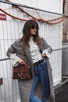 the-fashion-fraction-fashion-blog-schweiz-mode-blogger-french-outfit-winter-inspiration-jw-anderson-ruffle-booties-chloe-faye-croc-bag-miu-miu-sunnies-gucci-monogram-belt-10