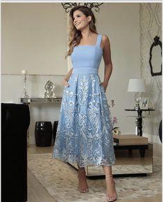 Vestido midi azul com renda alça larga k - Modest Dresses, Day Dresses, Cute Dresses, Beautiful Dresses, Evening Dresses, Prom Dresses, Summer Dresses, Formal Dresses, Fashion Vestidos