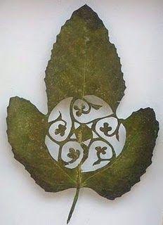 A blend of nature and creativity -Lorenzo Duran leaf art