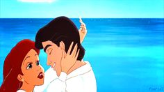 A kiss on the beach? | 32 Disney Kisses To Warm Your Heart On ValentinesDay