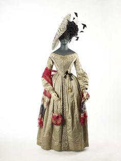Dress 1841, British, Made of silk