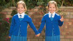 Сиамские близнецы впервые пошли в школу http://rbnews.uk/woman/childrens/news/article43433.html  В этом сентябре знаменитые сиамские близнецы Рози и Руби, успешно разделенные в 2012 году, готовятся пойти в первый класс. Девочки были соединены друг с другом в области живота и имели общий кишечник. Шансы на выживание у новорожденных не превышали 20%, а медики не очень-то верили в успех операции. Но 5 часов работы высококлассных хирургов дали […]