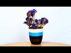 In our new tutorial we'll show you how to make a striped vase using acrylic paint that will become a stylish decoration for your home! #diyvase #acrylicpaint #homedecor