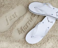 These Just Married Flip Flops are an awesome and romantic gift to any newly weds! They are available in different colors and very comfortable as well! Awesome!