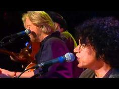 ▶ Daryl Hall & John Oates - Say It Isn't So (Live At The Troubadour) - YouTube