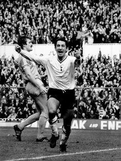 Osvaldo Ardiles Tottenham Hotspur 1981 Retro Football, Sport Football, Tottenham Hotspur Players, Image Foot, English Football League, Spurs Fans, White Hart Lane, Best Football Players, North London