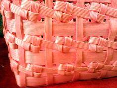 ズーム! ね、途中途中に石畳編みが入ってるの。 作家さんの技術の技が光ってますね☆