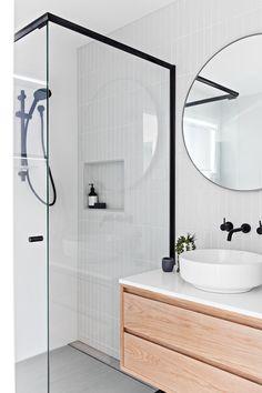 Modern Farmhouse, Rustic Modern, Classic, light and airy bathroom design a few ideas. Bathroom makeover tips and master bathroom renovation ideas. White Bathroom Tiles, Bathroom Renos, Bathroom Layout, Bathroom Interior Design, Bathroom Renovations, Bathroom Ideas, Bathroom Makeovers, Bathroom Organization, Bathroom Inspo