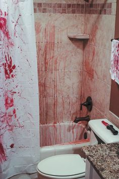 Halloween Bathroom Decorations DIY Murder Scene Bathroom @Blakely Harrington Harrington Jackson & @Nancy Hopkins