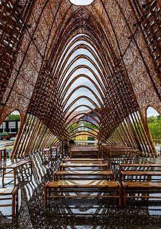"Red Dot award winner ""Bamboo Pavillion"" by Zuo Studio, Taichung, Taiwan Pavilion Architecture, Green Architecture, Architecture Portfolio, Landscape Architecture, Building Architecture, Wooden Pavilion, Glass Pavilion, Backyard Pavilion, Outdoor Pavilion"