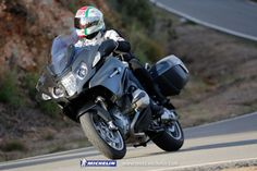 Discover the PILOT ROAD 4 GT MICHELIN Tyre: A champion on wet roads, especially when braking, it provides GT's with optimal stability. Check out the nearest Michelin dealer to get yours. Motorcycle Tires, Bike, Bmw R1200rt, Touring Motorcycles, Michelin Tires, Cool Pictures, Pilot, Adventure, Vehicles