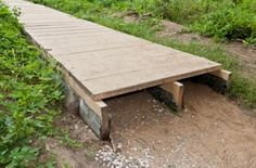 63 Trendy Ideas For Backyard Landscaping Deck Walkways Wooden Pathway, Wood Path, Wood Walkway, Wooden Garden, Backyard Fences, Backyard Projects, Outdoor Projects, Backyard Landscaping, Backyard Ideas