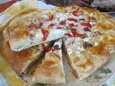Ζουζουνομαγειρέματα: Πίτσα τυριών, με αρωματική ζύμη σκόρδου!!! Hawaiian Pizza, Snacks, Vegan, Food, Baking, Essen, Appetizers, Yemek, Treats