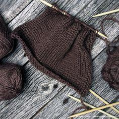 Tovede tøfler - steg for steg - Borrow my eyes Felted Slippers, The Borrowers, My Eyes, Crochet Bikini, Bikinis, Swimwear, Winter Outfits, Knitting Patterns, Diy And Crafts