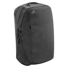 Gör resandet enkelt och smidigt. Med Arc'teryx Covert CO för du en funktionell ryggsäck/portfölj/resväska som du kan ta med ombord på planet.