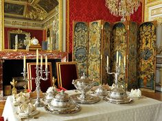 small apartment of the queen at versailles | Versailles, there is the salon of the Grand Couvert, part of the Queen ...