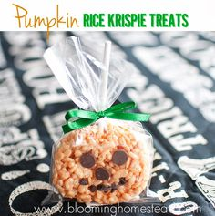 Pumpkin shaped rice krispie treats. Perfect for any halloween party! #halloween #halloweentreats #halloweenparty #partyfood #ricekrispietreats #pumpkin #pumpkins #recipe