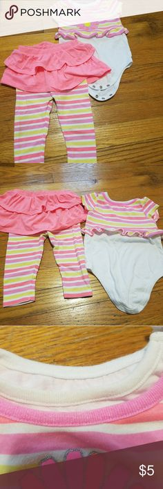 Garanimals matching set Garanimals matching set sized 12 months. Does show some stains (see close-up of collar) and signs of fading, but would still be awesome for a play outfit. You wouldn't have to worry about your baby staining it since mine already has, lol! Garanimals Matching Sets