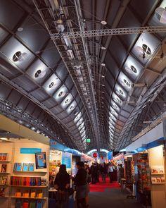 Good morning everyone! The Book Fair is open to the public! Welcome - Enjoy a beautiful #fbm15! Photo: @kuenstlerpech