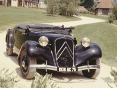 The Citroën Traction Avant was an automobile produced by the French manufacturer Citroën. About units were manufactured from 1934 to Hy Citroen, Psa Peugeot Citroen, Vintage Cars, Antique Cars, Art Deco Car, Citroen Traction, Used Car Prices, Traction Avant, Classic Cars