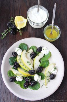 Pear, Blackberry, and Ricotta Spinach Salad with Lemon Vinaigrette is a beautiful salad and a lovely way to start any meal! Vegetable Soup Healthy, Healthy Salads, Healthy Recipes, Taco Salads, Spinach Recipes, Pasta Salad Recipes, Spinach Salads, Salad Bar, Soup And Salad