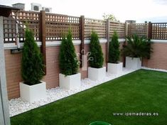 Backyard Landscape Design Pictures after Backyard Garden Ideas. Landscaping Ideas For Backyard With Slope & Landscape Ideas For Corner Of Backyard across Landscape Design For Backyard Entertainment Desert Backyard, Backyard Fences, Front Yard Landscaping, Mulch Landscaping, Yard Fencing, Patio Fence, Garden Fences, Backyard Privacy, Country Landscaping