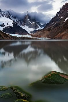 Laguna Torre and Cerro Torre, Los Glaciares National Park, Patagonia, Argentina.  Photo: Ricardo La Piettra