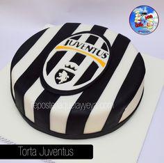 Torta Juventus - Juventus Cake Soccer Cake, Soccer Theme, Soccer Birthday, Soccer Party, Funny Birthday Cakes, Birthday Cakes For Men, Cake Cookies, Cupcake Cakes, Messi Vs Ronaldo