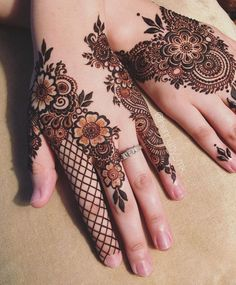 Beautiful mehndi Designs for Hand - The Handmade Crafts Mehndi Tattoo, Henna Mehndi, Tattoo Ink, Mehendi, Arm Tattoo, Round Mehndi Design, Beautiful Mehndi Design, Latest Arabic Mehndi Designs, Stylish Mehndi Designs